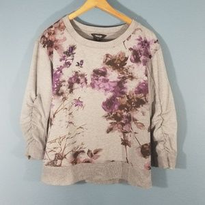 💎3 for 20💎Simply Vera floral sweater